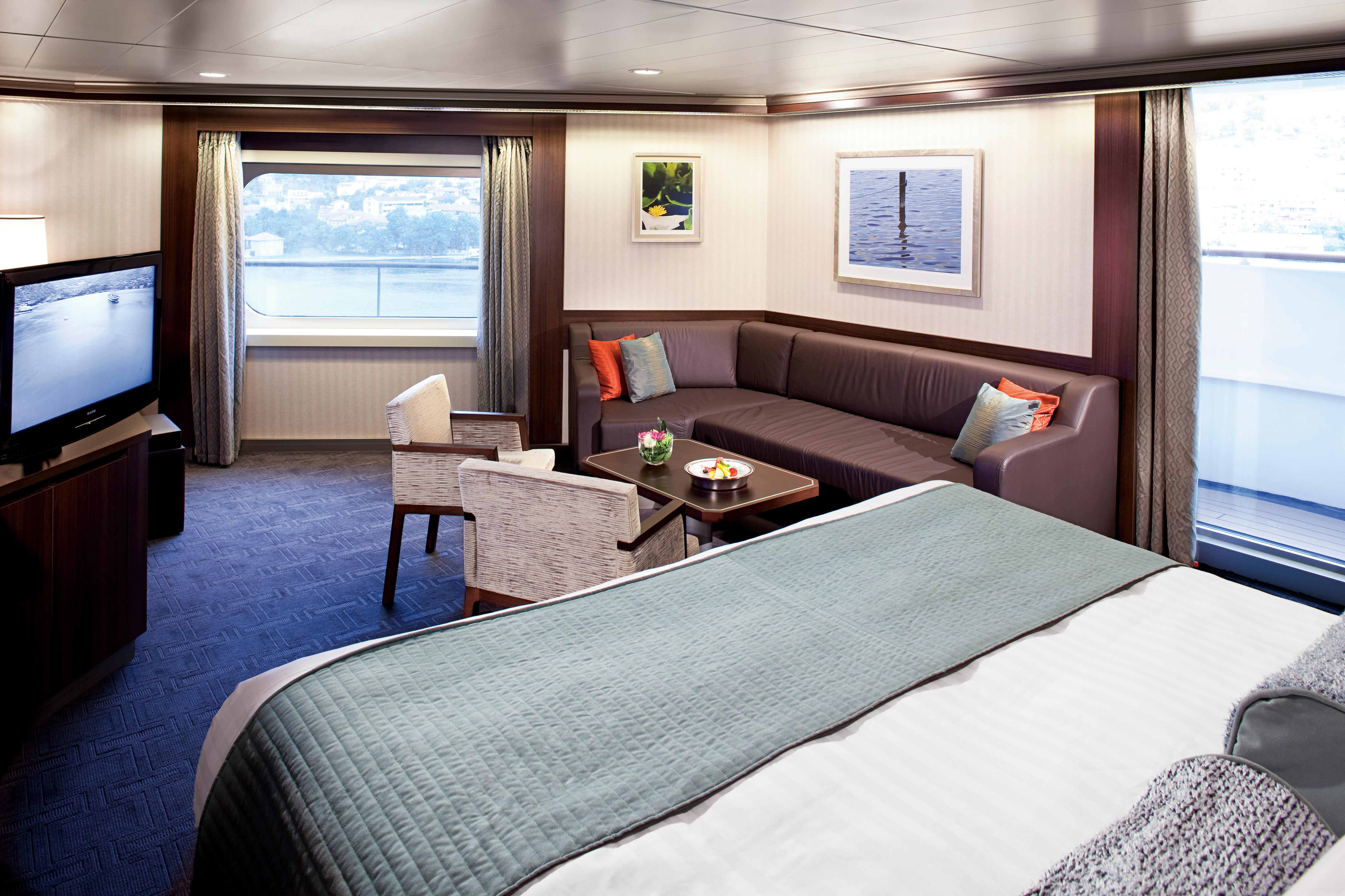 Holland America Line Nieuw Amsterdam Interior Neptune Suite 2.jpg