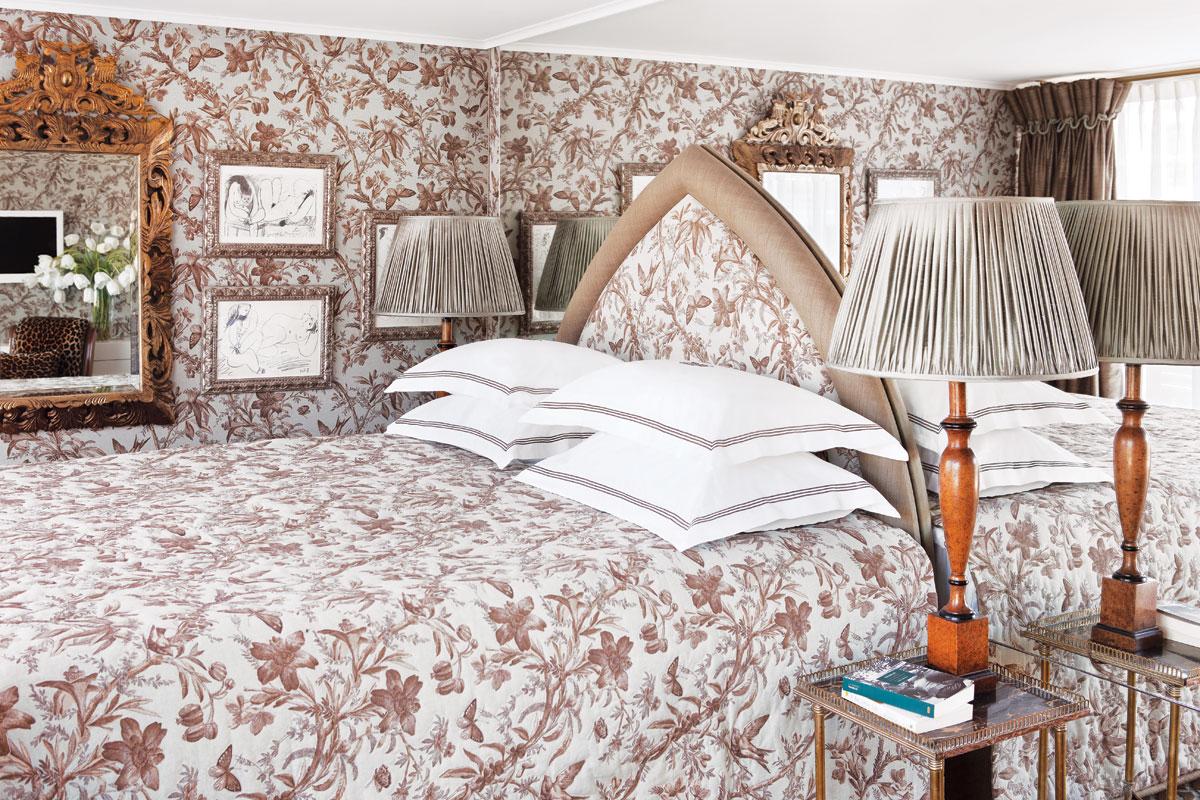 UNIWORLD Boutique River Cruises SS Antoinette Accommodation Suite 409.jpg
