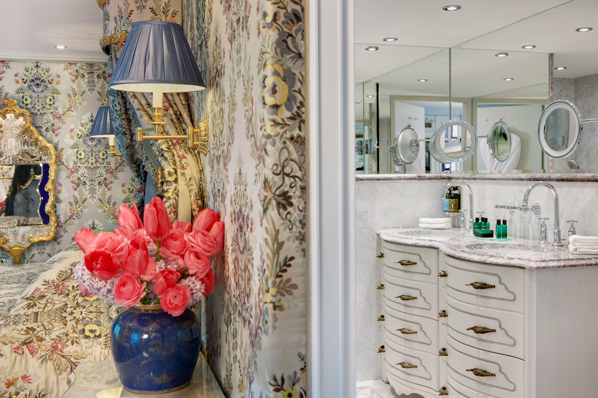 UNIWORLD Boutique River Cruises SS Maria Theresa Accommodation Suite Bathroom 2.jpg