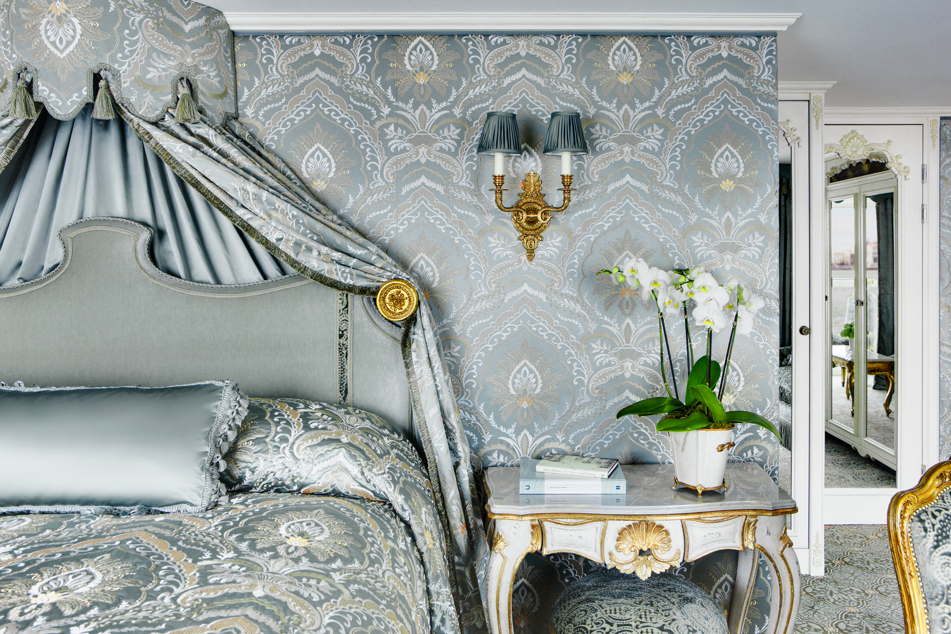 UNIWORLD Boutique River Cruises SS Maria Theresa Accommodation Suite 404 2.jpg