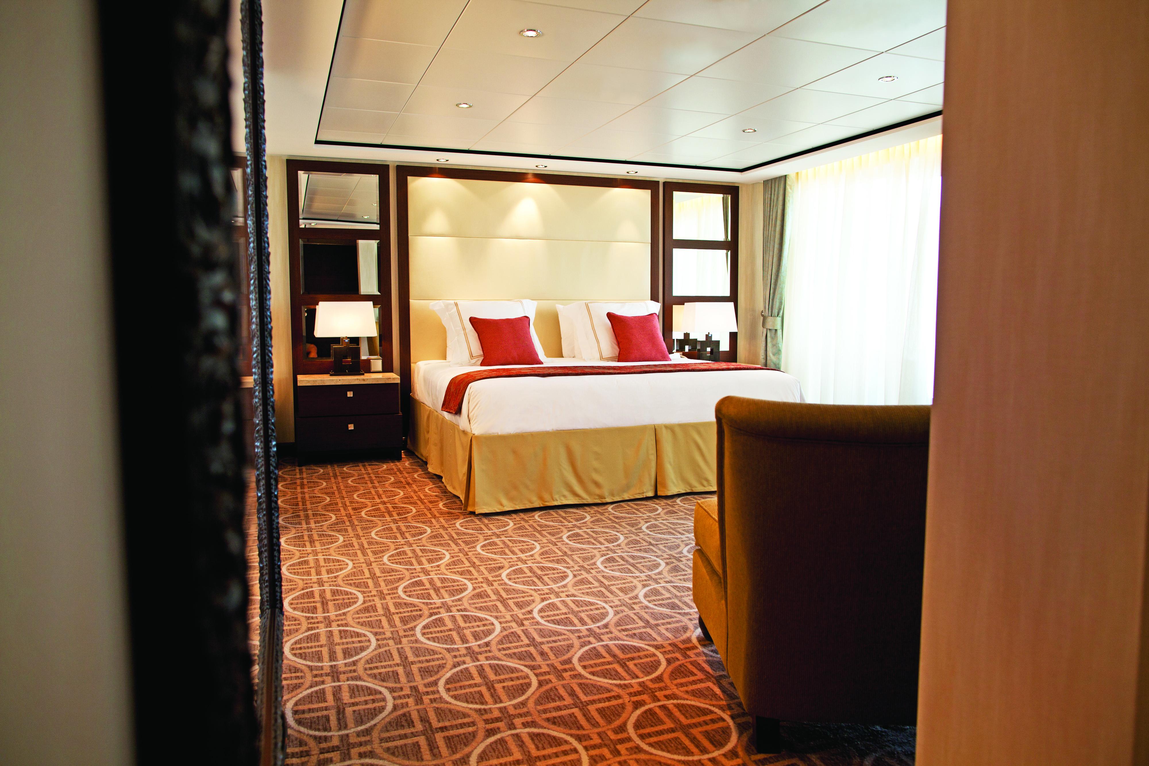 Celebrity Cruises Celebrity Solstice Accommodation Penthouse Bedroom.jpg