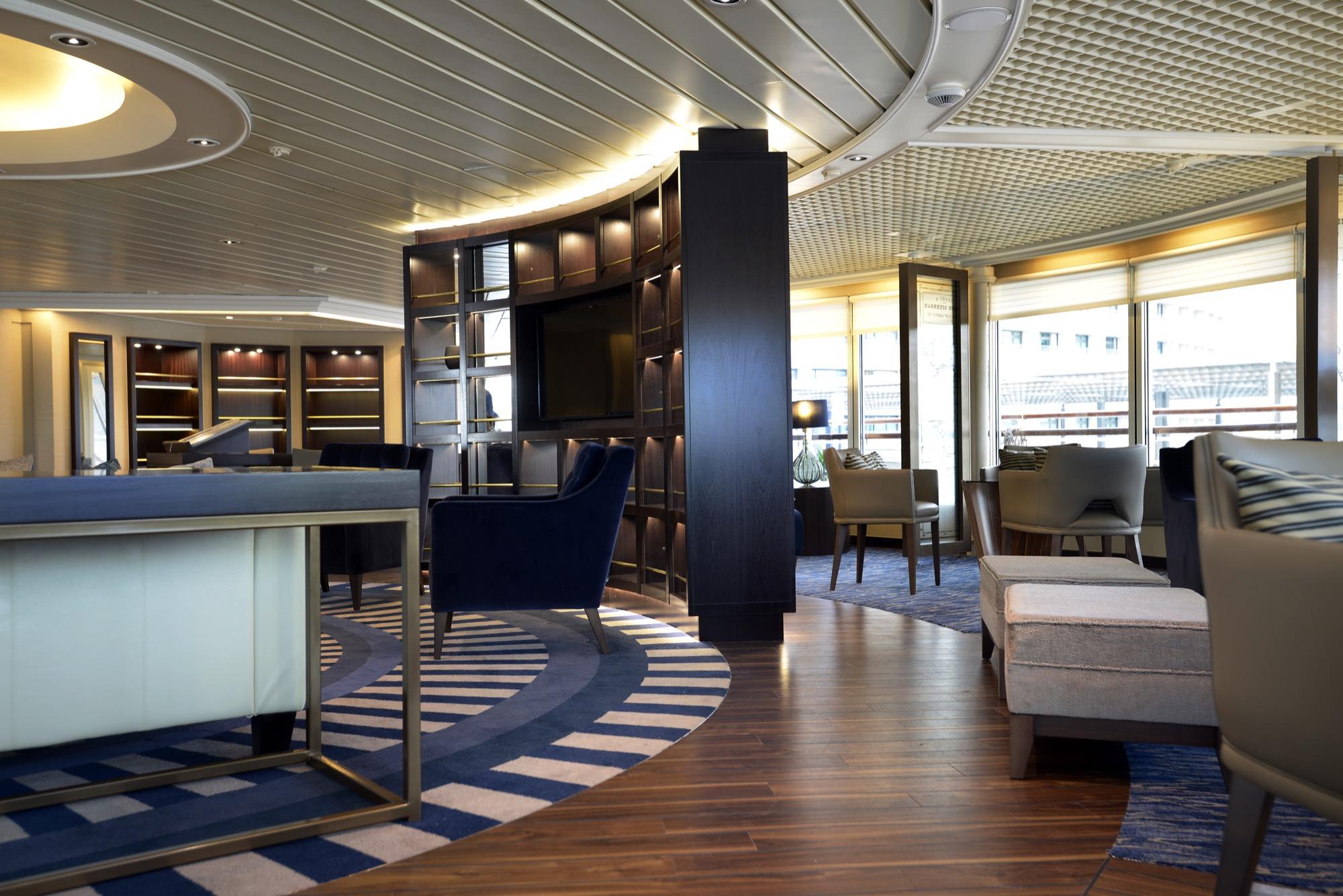 Windstar Star Pride Interior Yacht Club 17.jpg