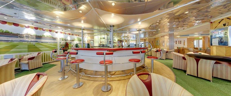 P&O Cruises Oriana Interior Lord's Tavern 2.jpg