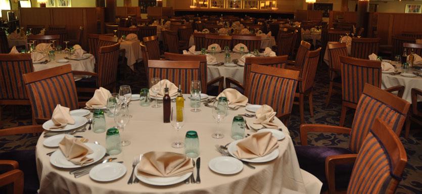 Pullmantur Monarch Interior Auster Restaurant.jpg