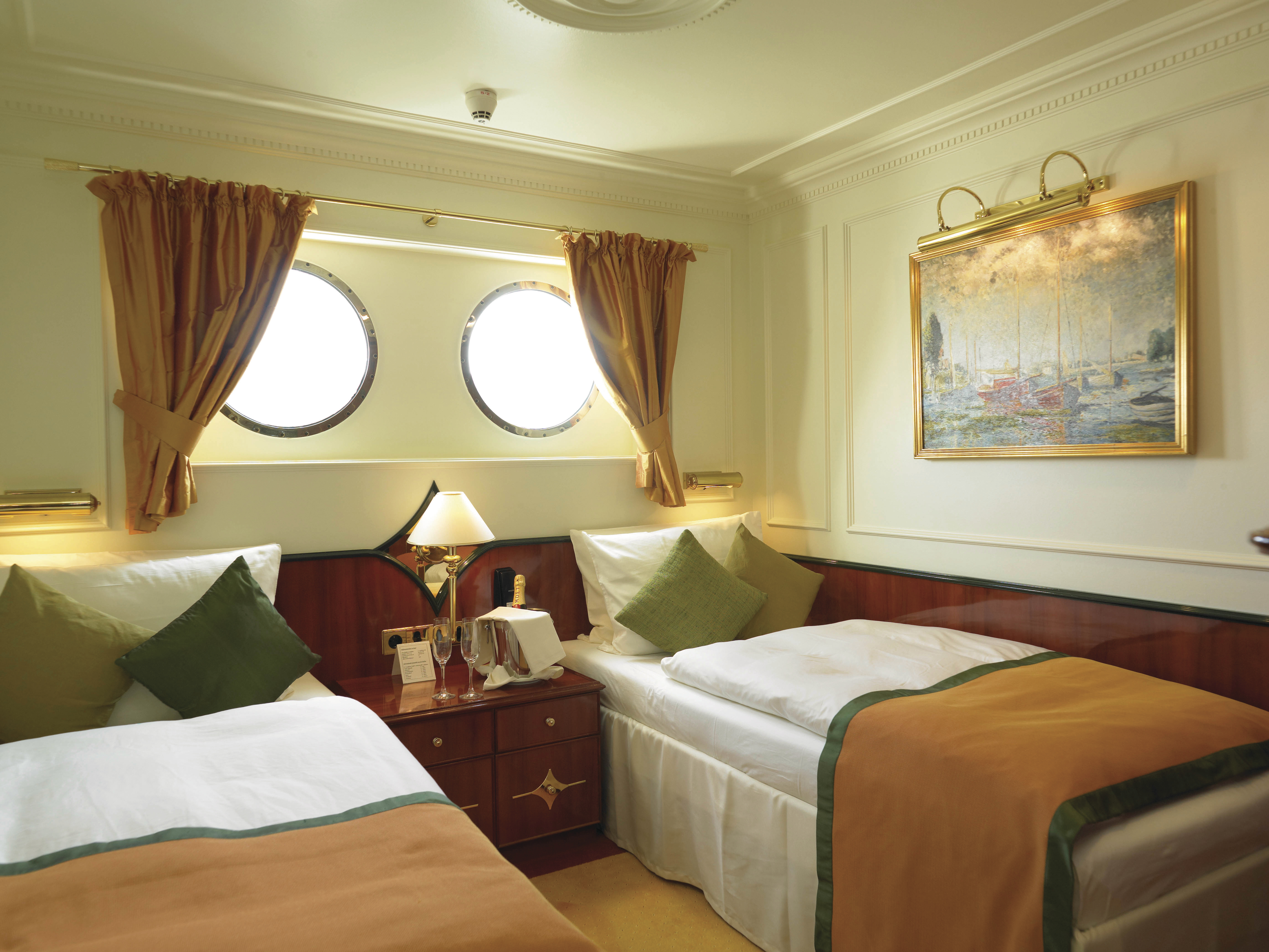 Hebridean Island Cruises Royal Crown Accommodation Deluxe Cabin Twin.jpg