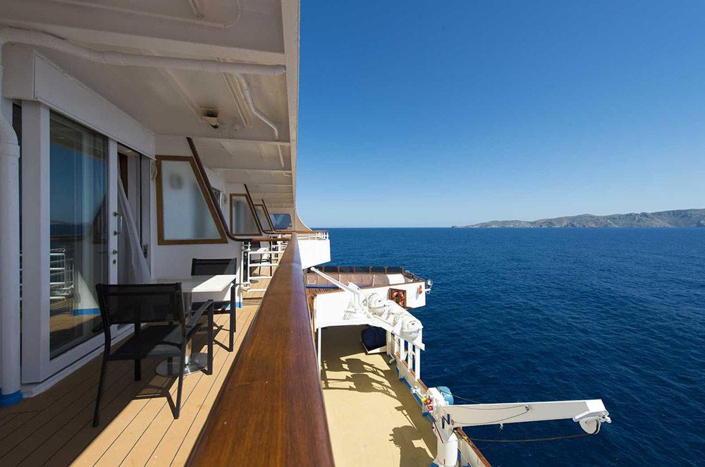 Balcony Suite 2.jpg