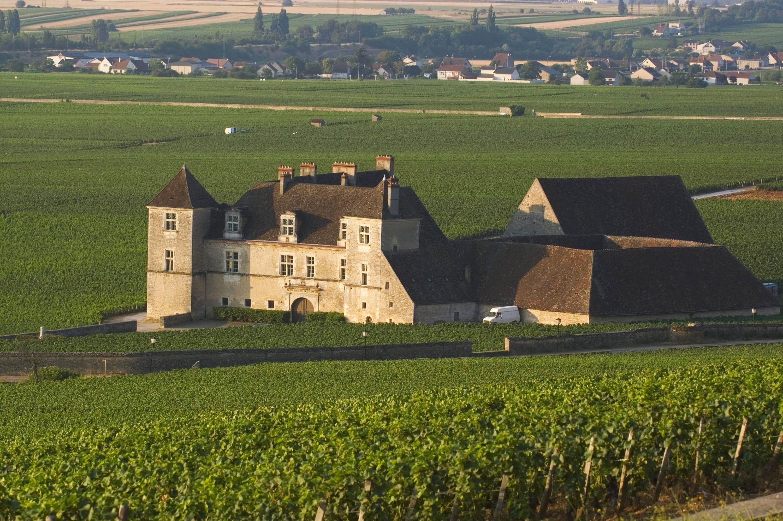 European Waterways L'Impressionniste Destinations Chateau du Clos de Vougeot.JPG