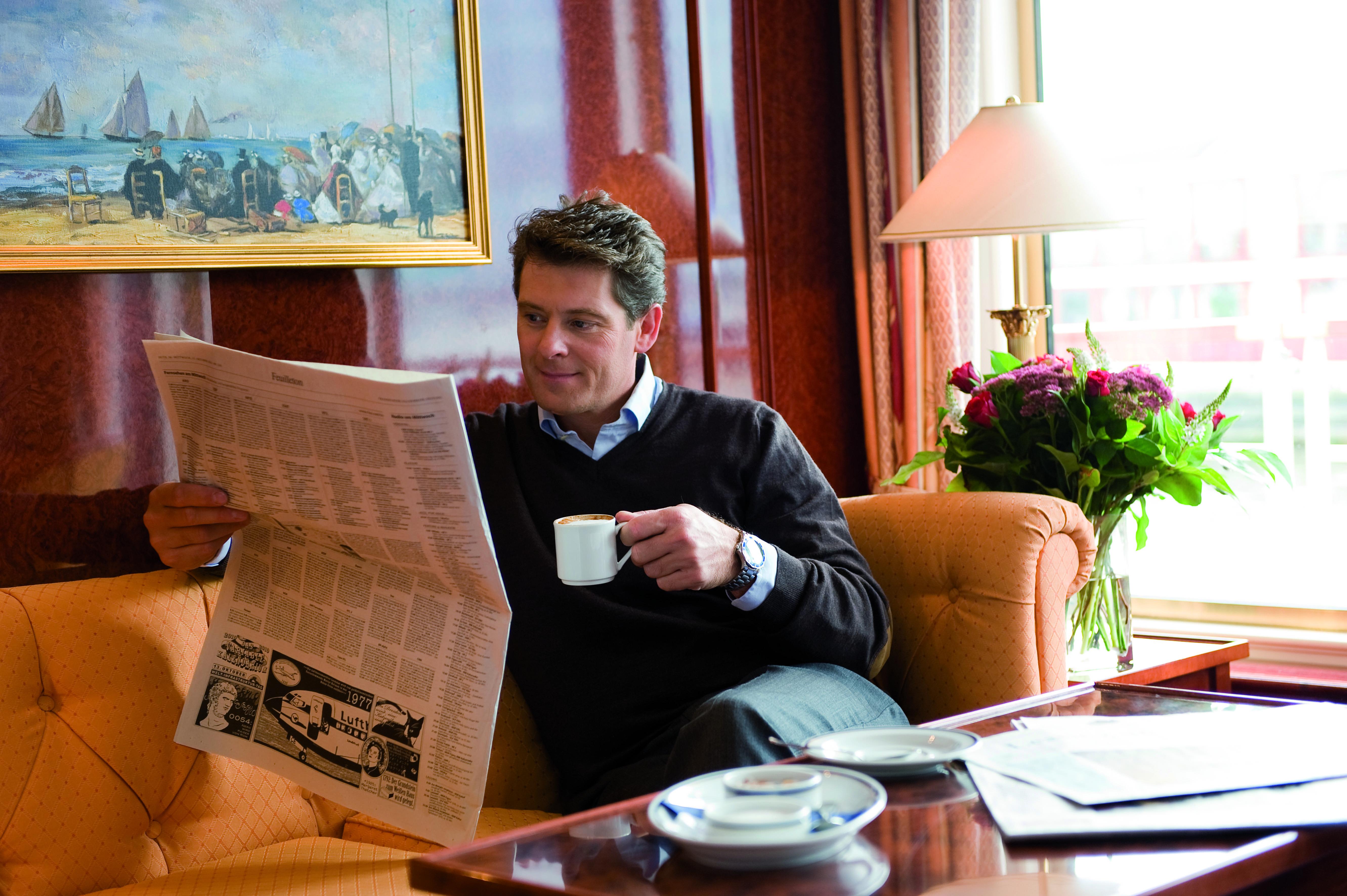 Hebridean Island Cruises Royal Crown Interior Library.jpg
