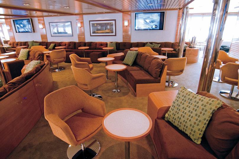 Lindblad National Geographic Endeveour Lounge.jpg
