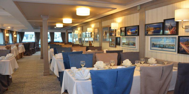 Noble Caledonia Rakhmaninov Interior Restaurant.jpeg