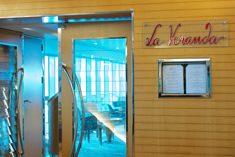 Paul Gauguin MS Paul Gauguin La Veranda Restaurant 3.jpg