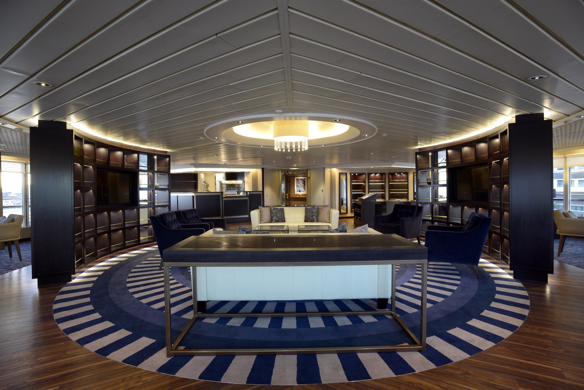Windstar Star Pride Interior Yacht Club 16.jpg