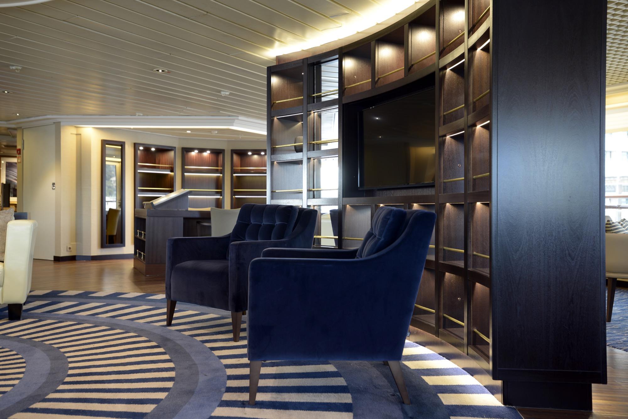 Windstar Star Pride Interior Yacht Club 18.jpg