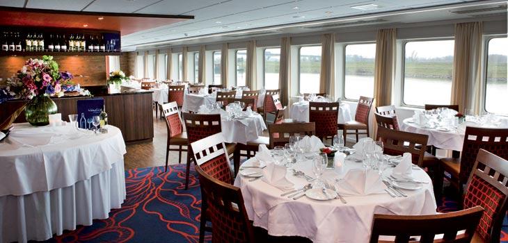 Saga River Cruises Regina Rheni II Interior Dining Room 2.jpg