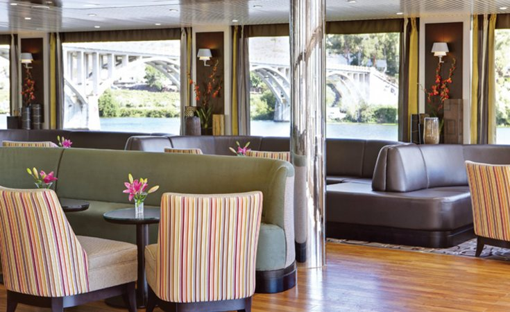 Riviera Travel MS Douro Spirit Interior Bar.jpg