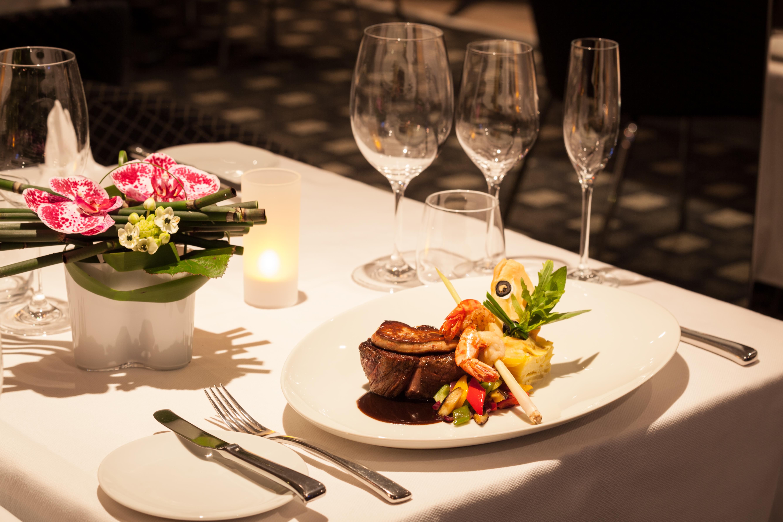 Scenic Sapphire Scenic Emerald Scenic Diamond Scenic Ruby Scenic Pearl Interior Portobellos Restaurant 2.jpg
