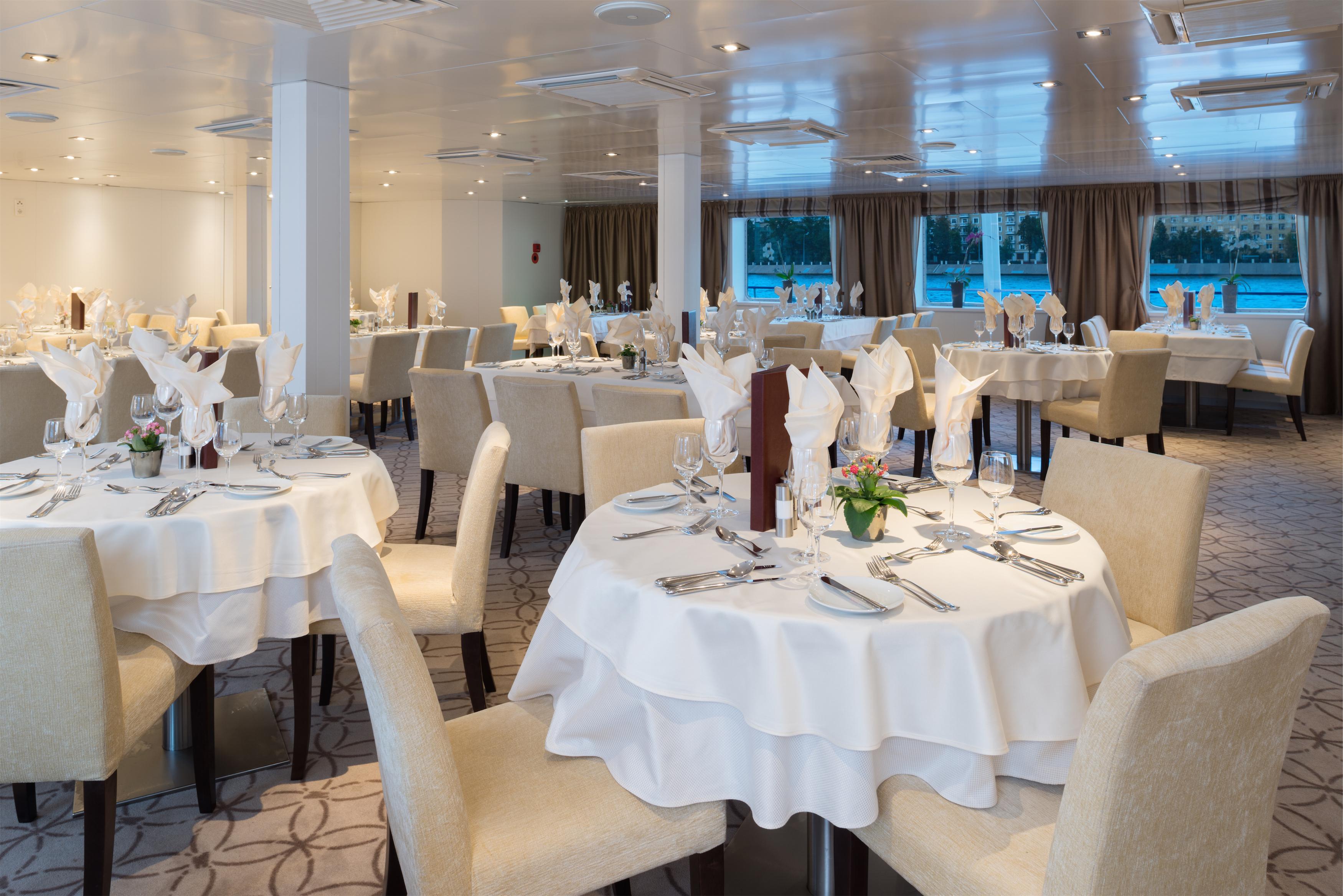 Scenic Tsar Interior Restaurant 8.jpg