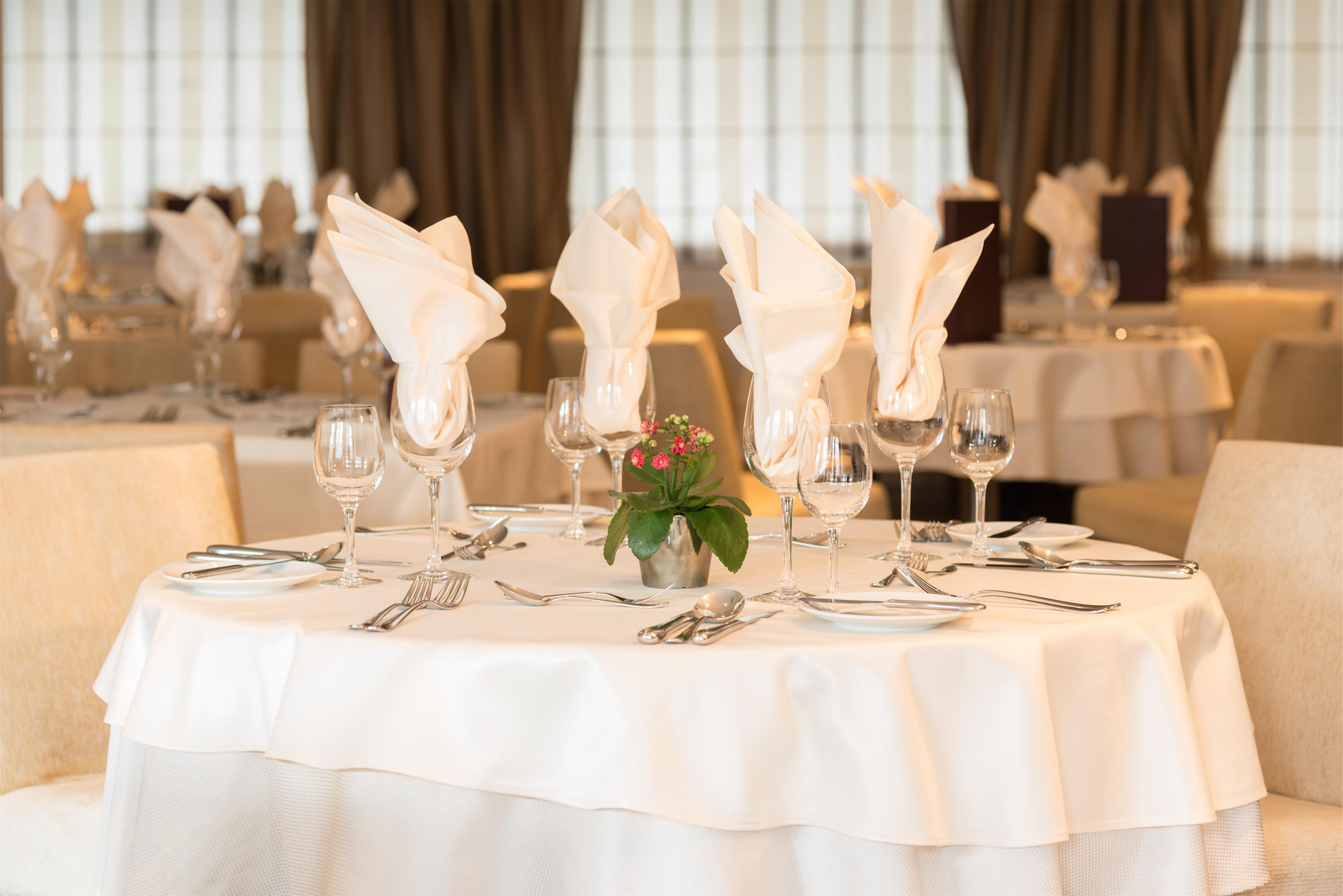 Scenic Tsar Interior Restaurant 7.jpg