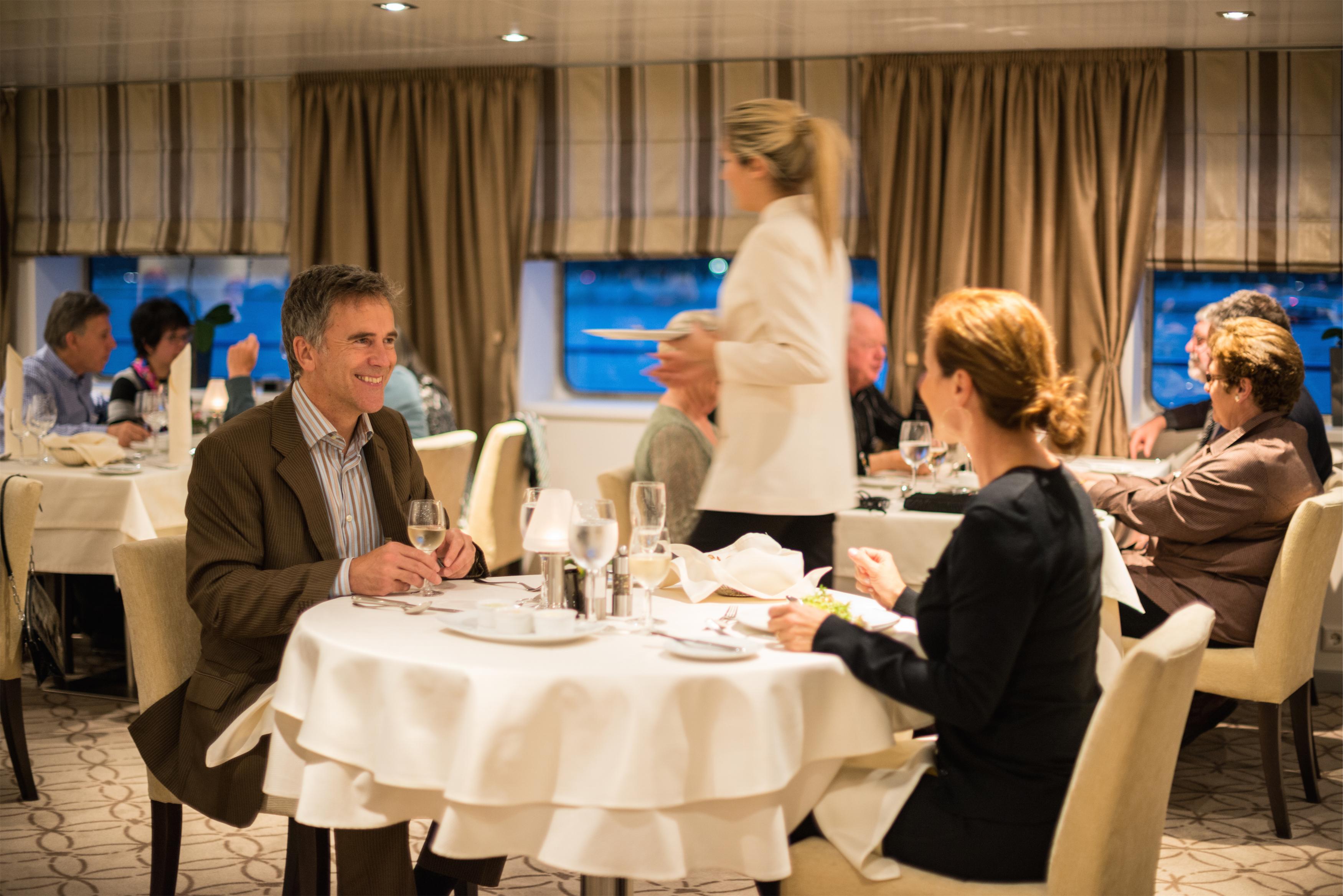 Scenic Tsar Interior Restaurant 2.jpg