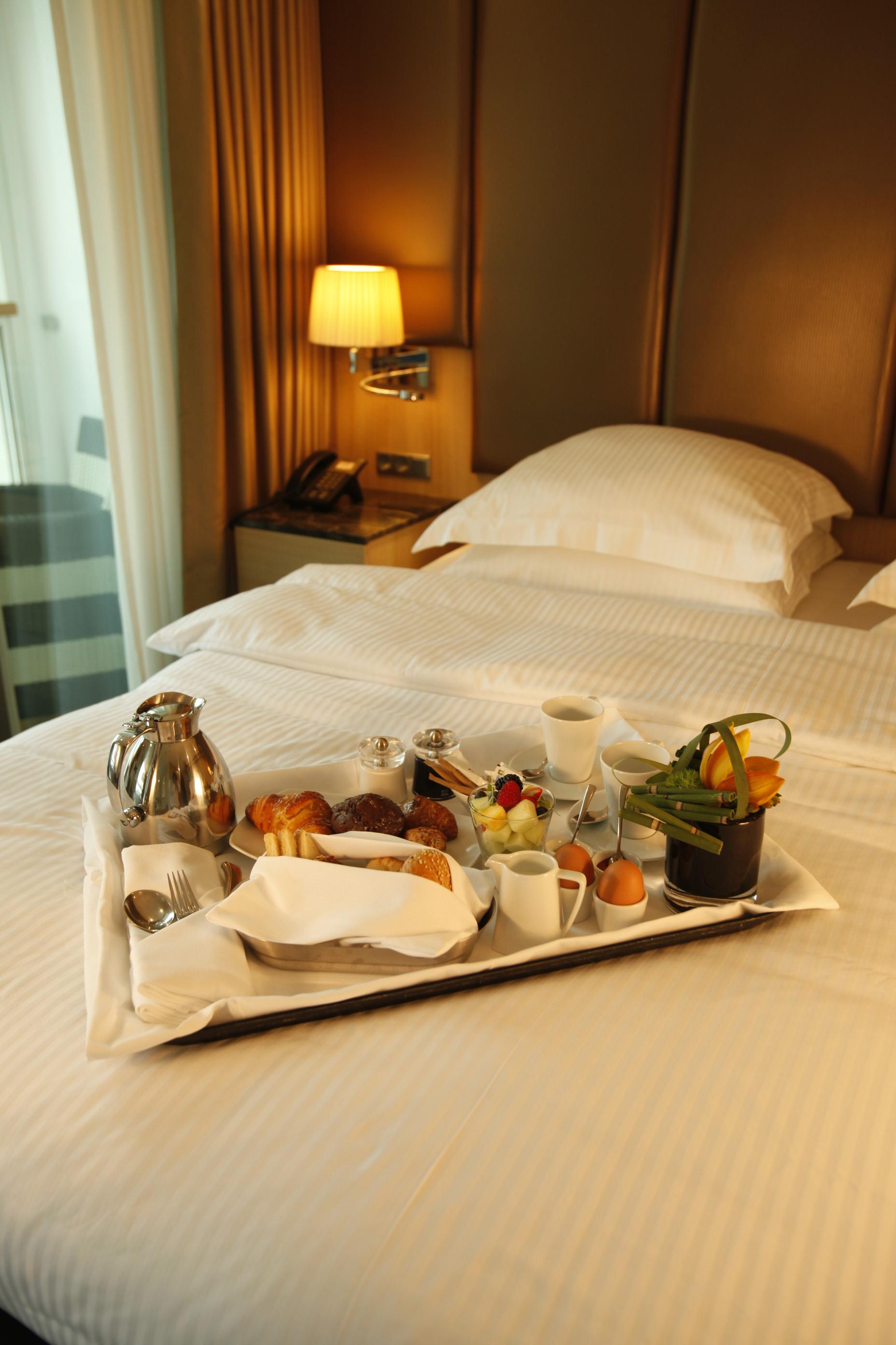 Scenic Jasper Room Service Dining _MG_9760r.jpg
