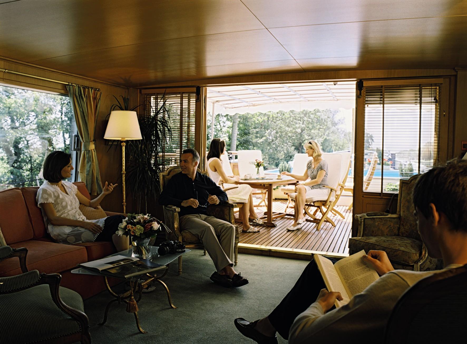 Belmond River Cruises Belmond Amaryllis Interior Lounge4.jpg