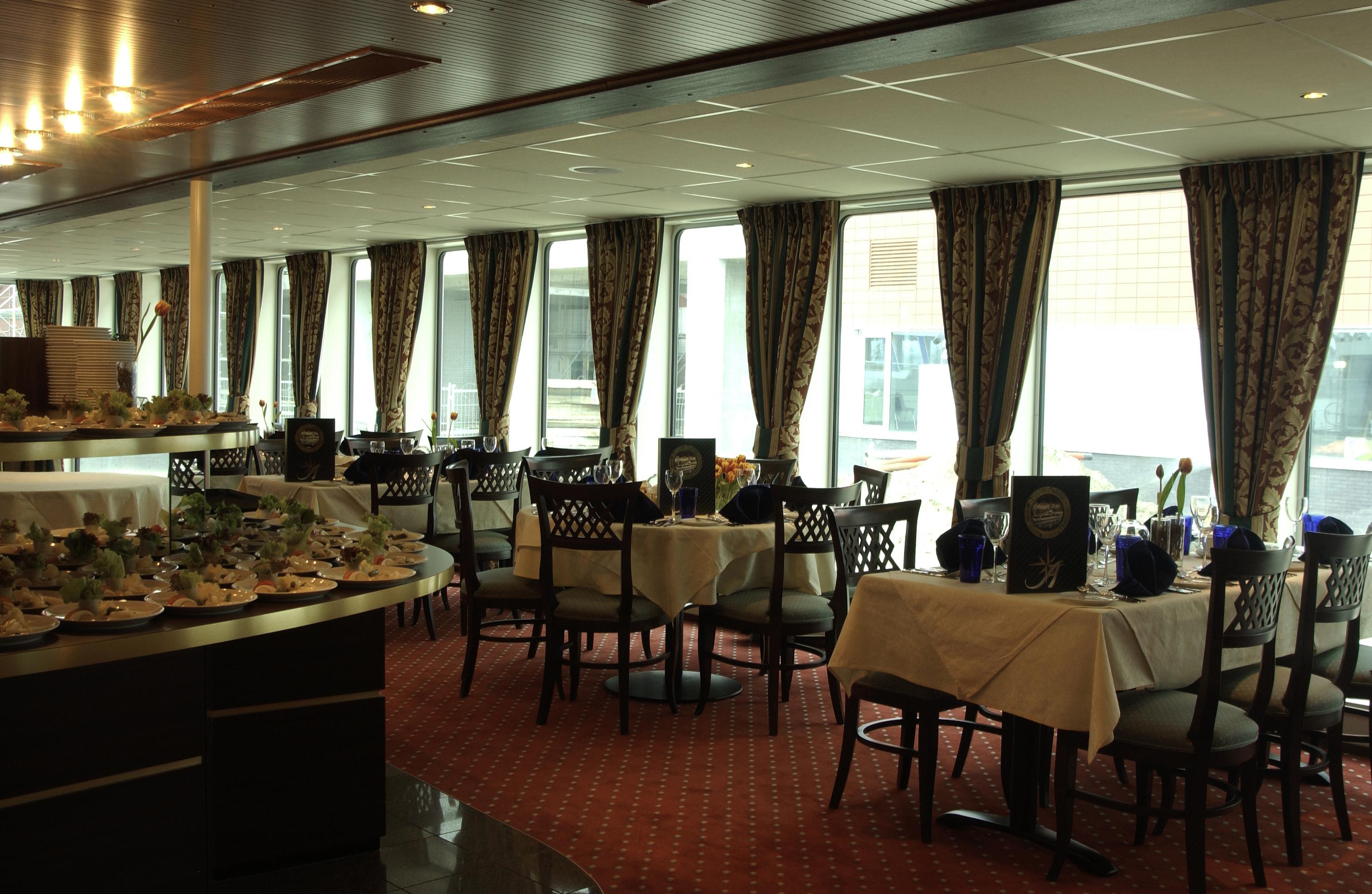 Amadeus River Cruises Amadeus Royal Interior Restaurant 2.jpg