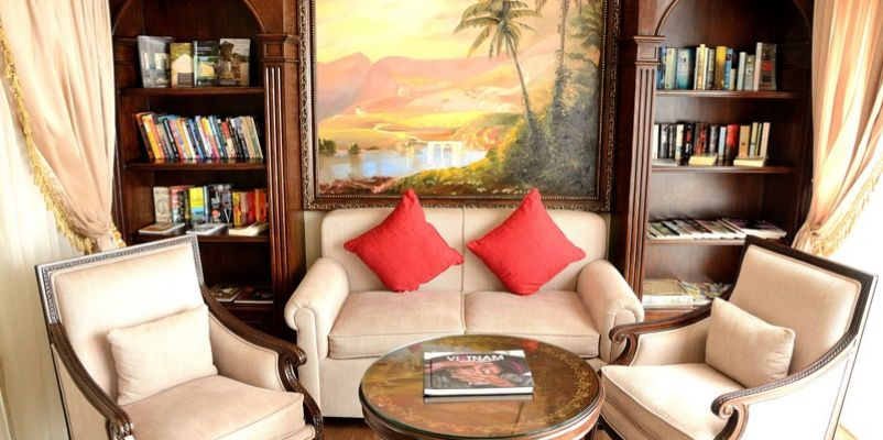 Noble Caledonia RV Mekong Princess Interior Library.jpg