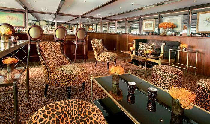 UNIWORLD Boutique River Cruises SS Antoinette Interior Bar du Leopard 1.jpg
