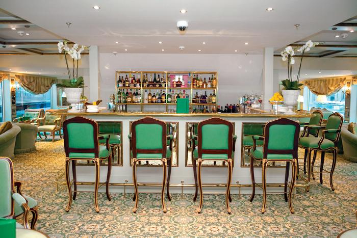 UNIWORLD Boutique River Cruises SS Antoinette Interior Salon Du Grand Trianon Bar 2.jpg