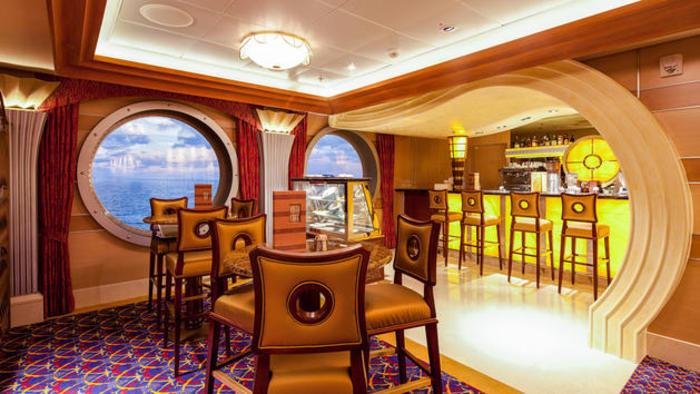 Disney Cruise Lines Disney Dream vista-cafe-00.jpg