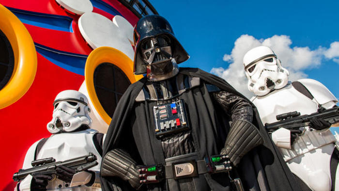 Disney Cruise Lines Disney Fantasy Entertainment star-wars-00.jpg