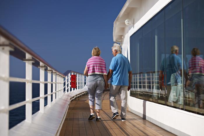 fred olsen cruise lines braemar deck 2014.jpg