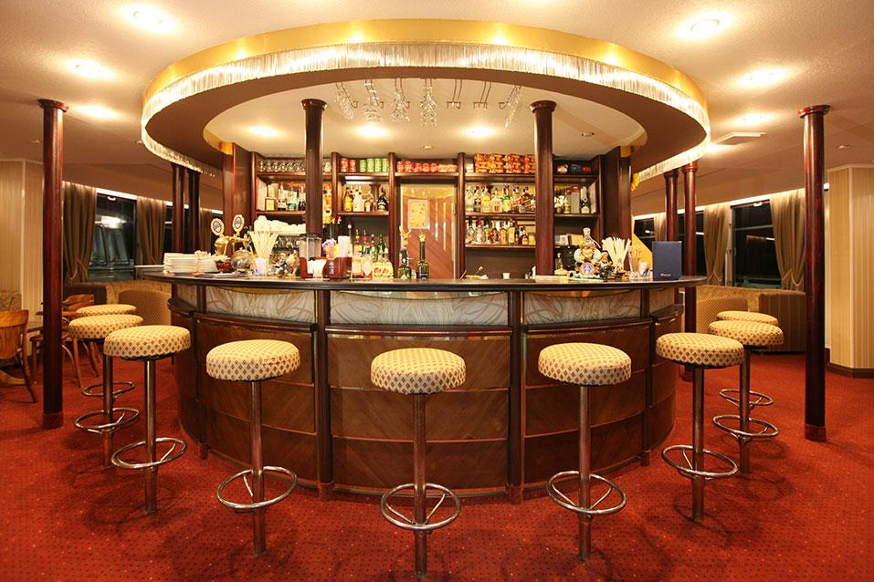 Nicko Cruises MS Stravinski Interior Bar.jpg