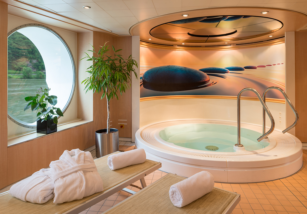 Nicko Cruises MS Viktoria Interior Wellness Area.jpg