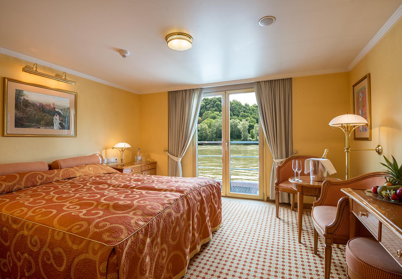 Nicko Cruises MS Heidelberg Accommodation 1.jpg