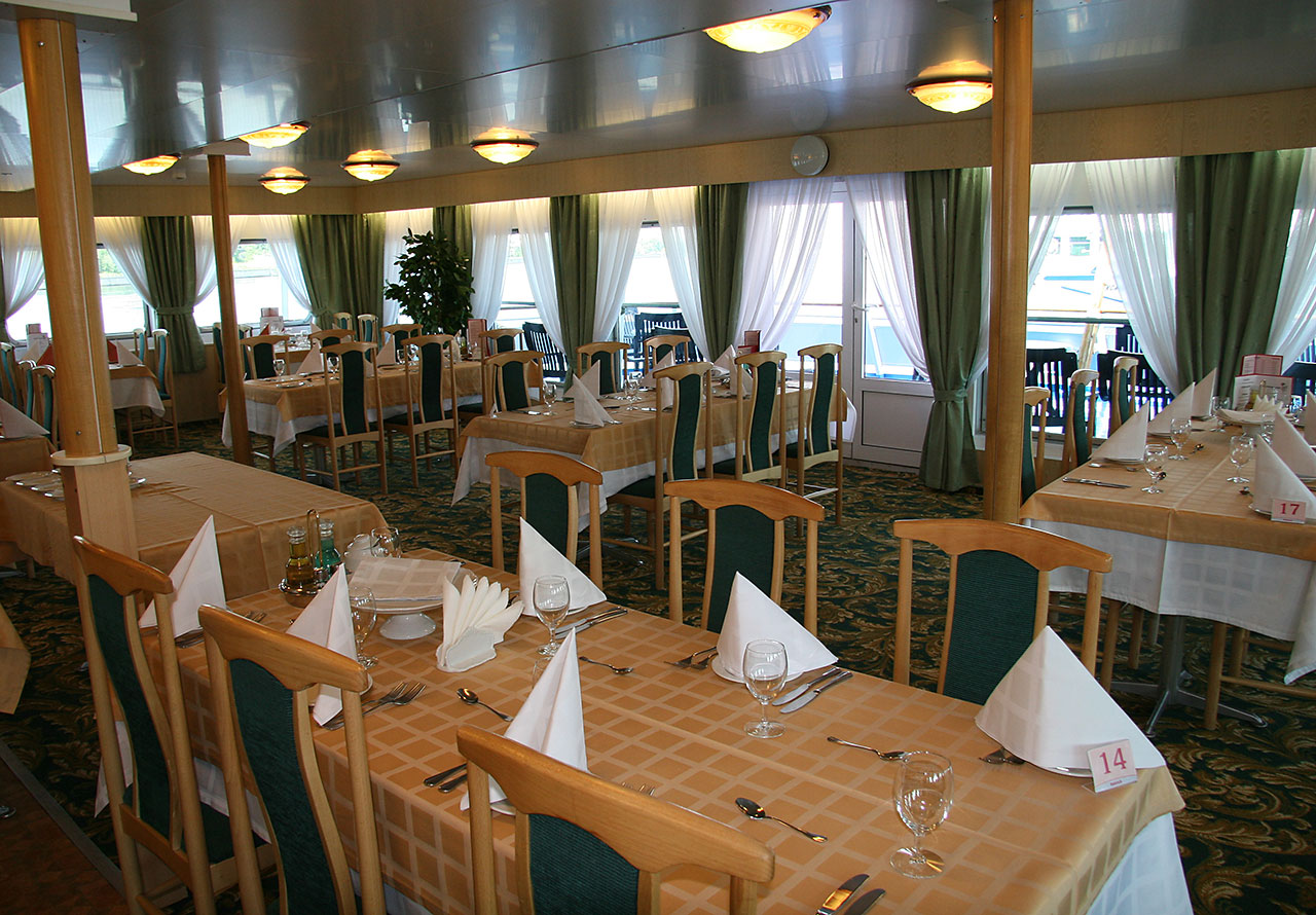 Nicko Cruises MS Fedin Interior Restaurant.jpg