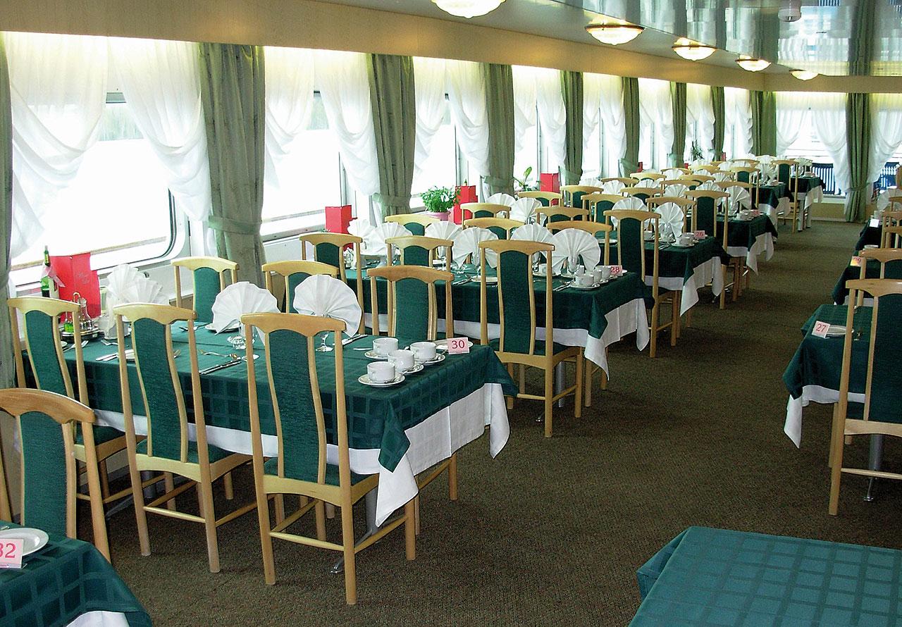 Nicko Cruises MS Fedin Interior Restaurant 2.jpg