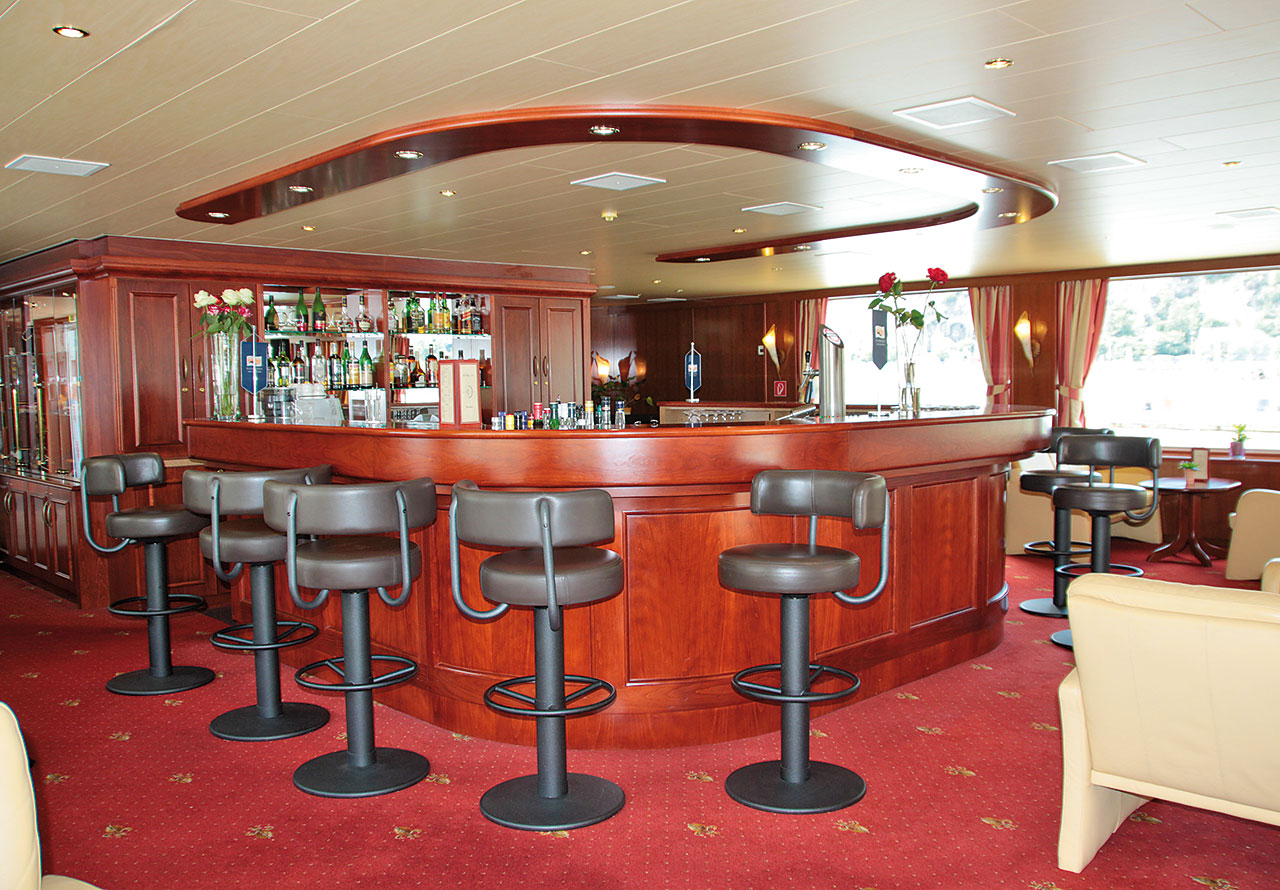 Nicko Cruises MS River Art Interior Bar.jpg