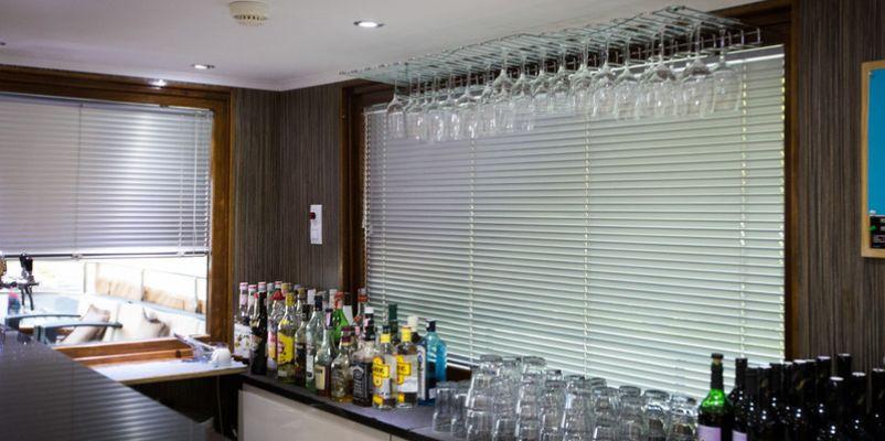 Noble Caledonia Royal Eleganza Interior Bar.jpg