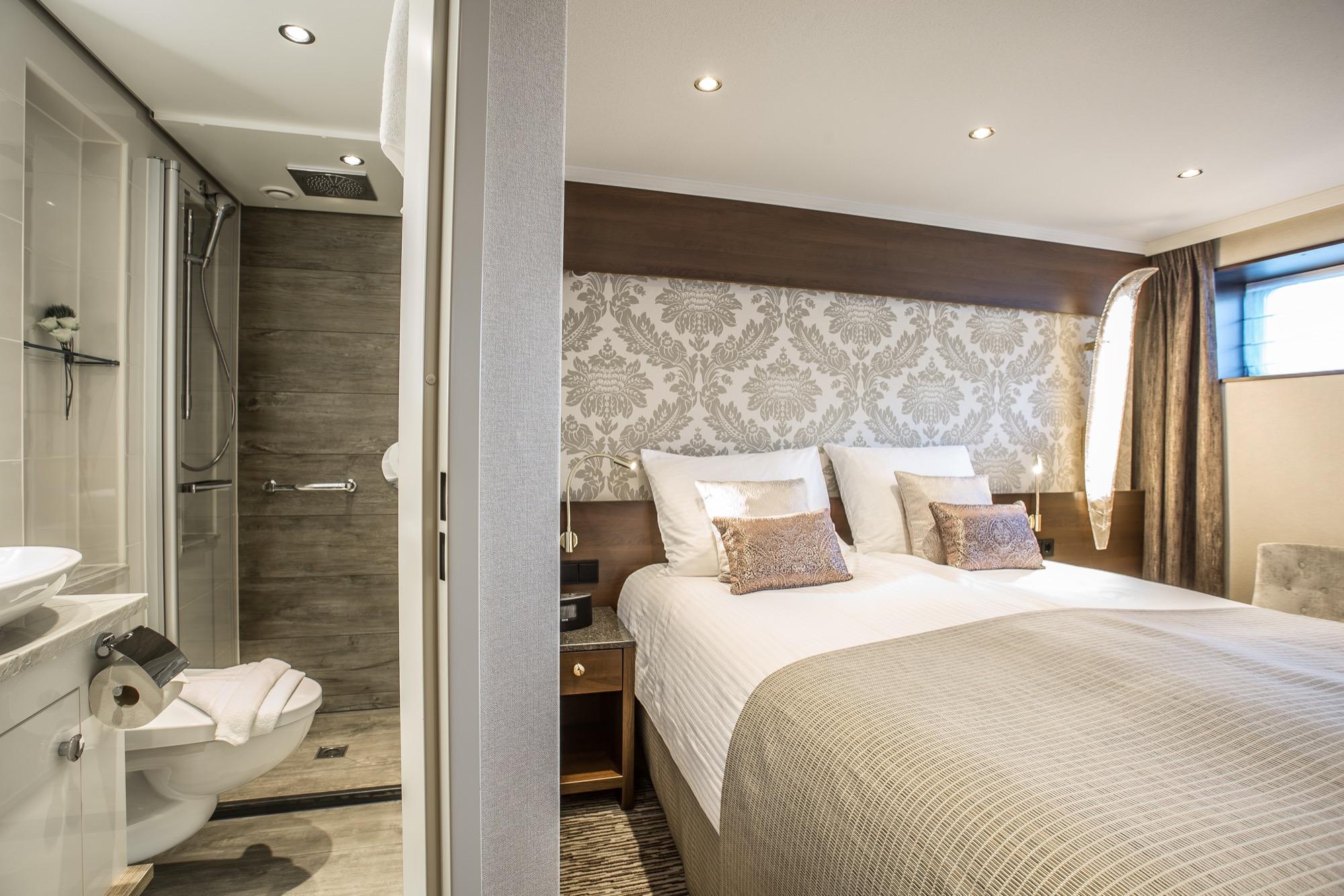 Riviera Travel Thomas Hardy Accommodation Lower Deck Suite 1.jpg