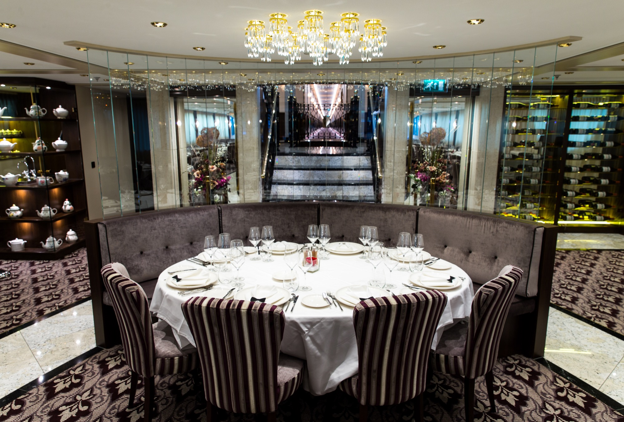 Riviera Travel Thomas Hardy Interior Restaurant 4.jpg