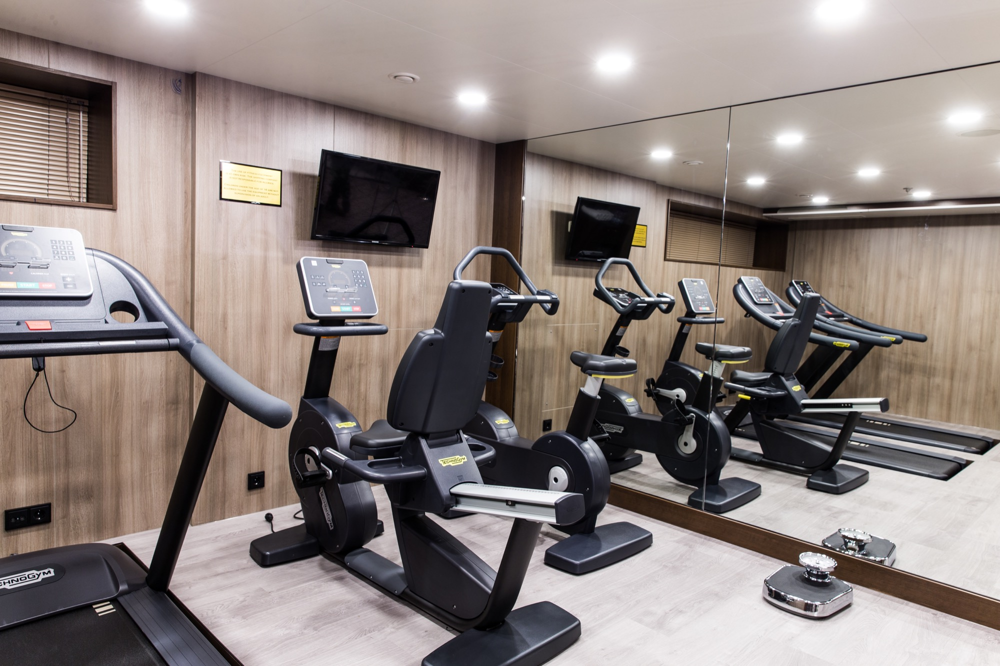 Riviera Travel Thomas Hardy Interior Fitness Centre 2.jpg