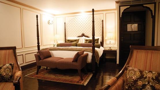 APT RV Ganges Voyager Maharaja Suite.jpg