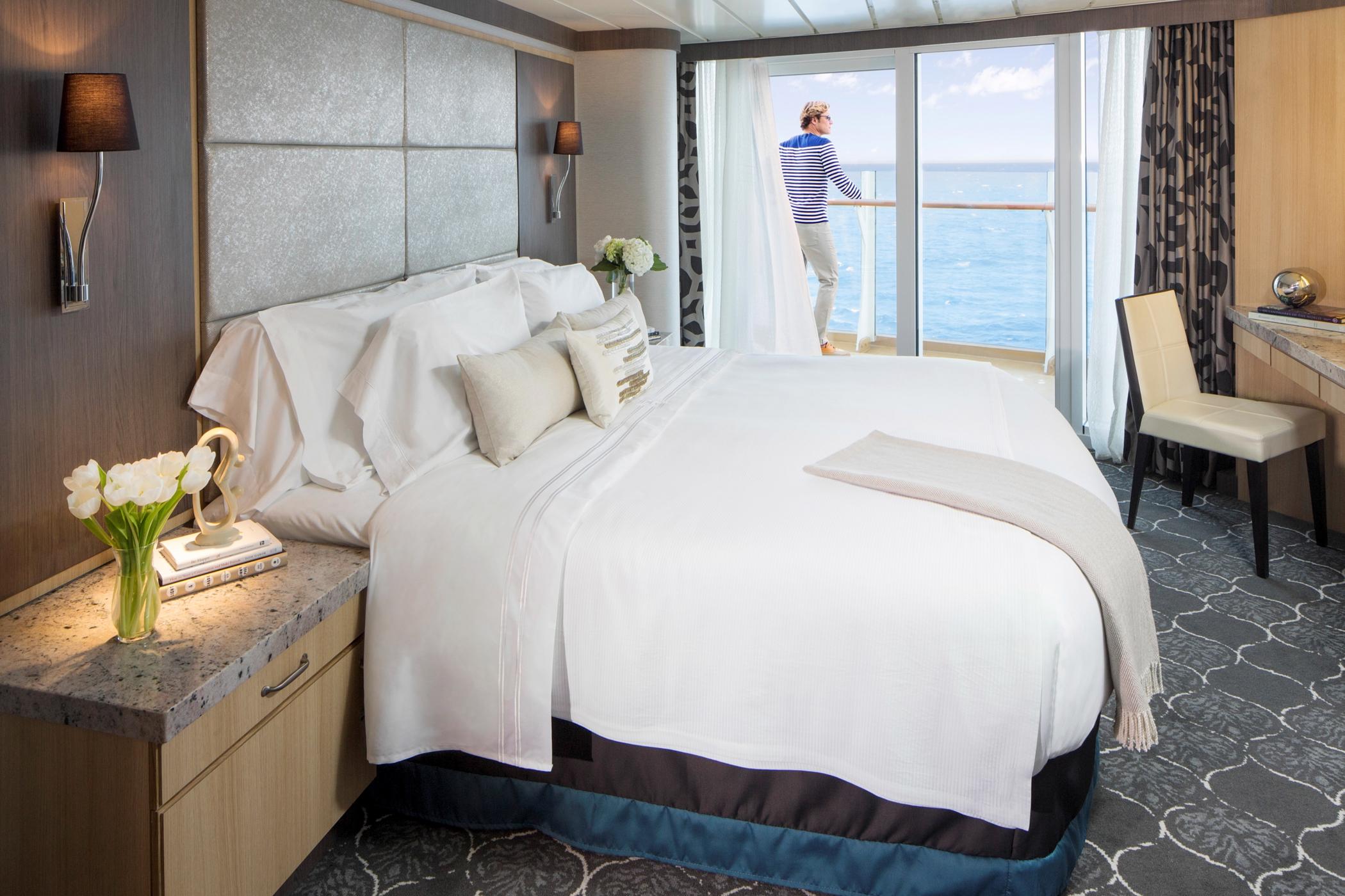 Royal Caribbean International Oasis of the seas accommodation Junior suite 2.jpg