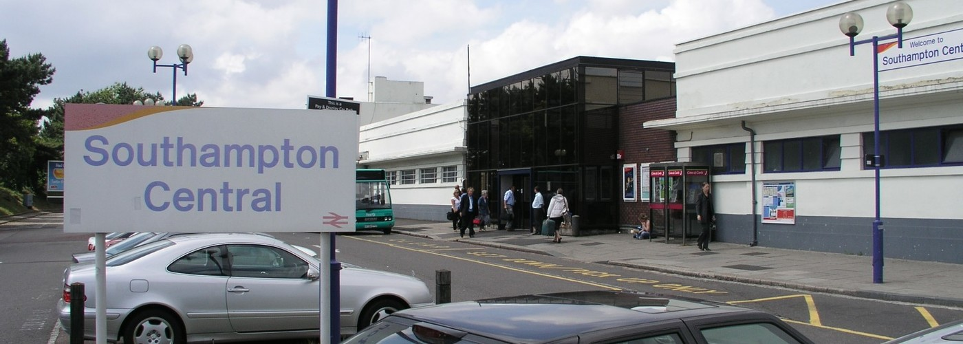 Southampton Central Station v2.jpg