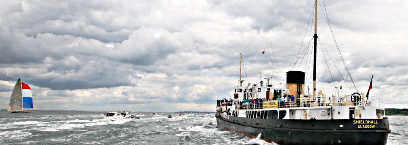 Shieldhall chases J-Boats.jpg