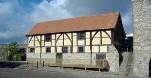 Tudor-house-roman.jpg