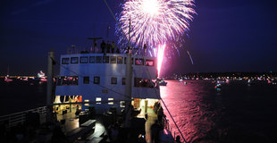 Cowes Week fireworks as seen from Shieldhall pic Jason Houlders JLH59025_C_sm.jpg