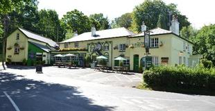 The New Forest Inn Exterior.jpg